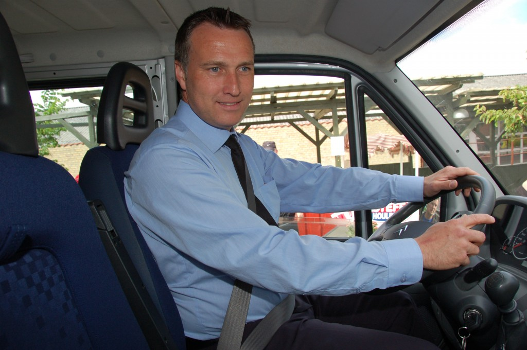 Indvielse af handicapbus 07.06.2012_1
